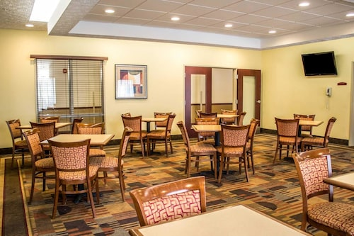 Comfort Inn And Suites Kent, Portage