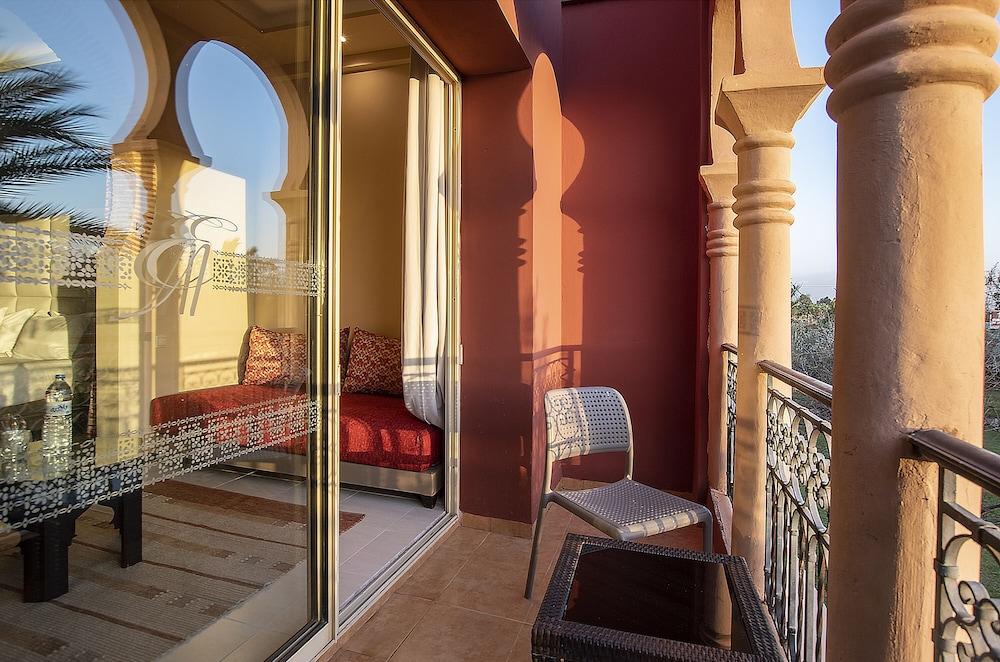 https://i.travelapi.com/hotels/3000000/2610000/2604600/2604518/1673858c_z.jpg