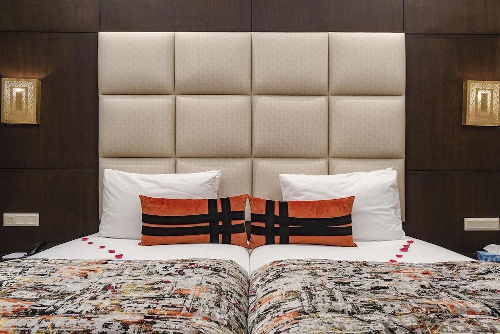 https://i.travelapi.com/hotels/3000000/2610000/2604600/2604518/4e263f24_z.jpg