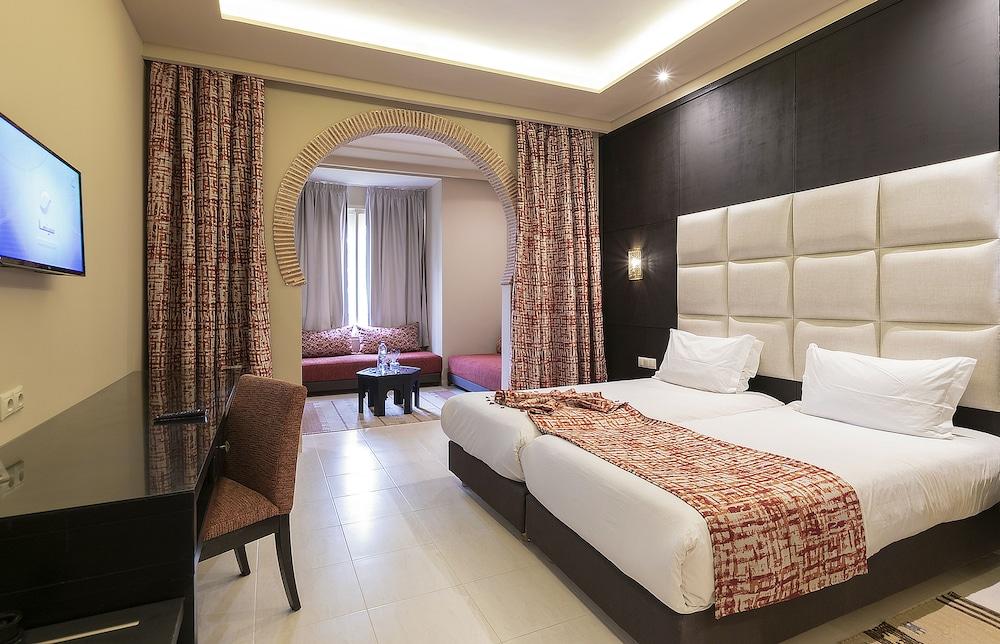 https://i.travelapi.com/hotels/3000000/2610000/2604600/2604518/dd25506a_z.jpg