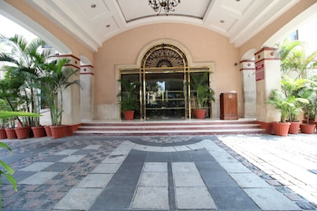 Hotel - Beverly Hotel