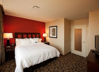 Standard Room, 1 King Bed, Accessible (Cook to Order Breakfast Included!)