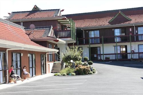 . Cherry Court Motor Lodge