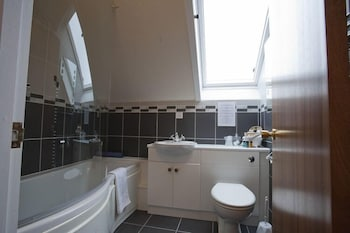 The Steadings at The Grouse & Trout - Bathroom  - #0