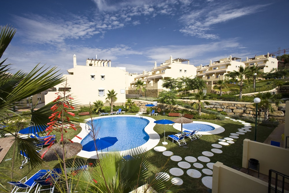 Colina del Paraíso by Checkin Hoteles, Featured Image