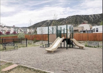 Comfort Inn & Suites Rifle - Childrens Play Area - Outdoor  - #0
