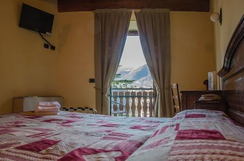 . Hotel Chez Toi