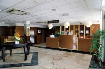アリサ ホテル