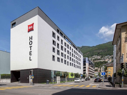 __{offers.Best_flights}__ ibis Locarno