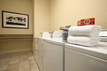 Country Inn & Suites By Carlson, Macon North, GA - Laundry Room  - #0