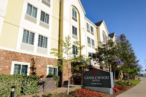 . Candlewood Suites Santa Maria