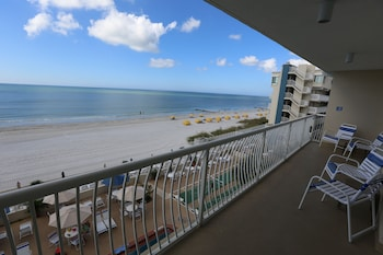 One Bedroom Suite - Gulf and Pool View (Two Balconies)