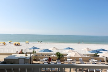 One Bedroom Suite - Gulf and Pool View