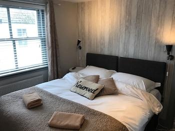 Double Room, Private Bathroom (Cosy)