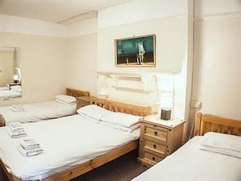 Standard Quadruple Room, Ensuite (Lower ground floor)