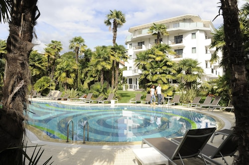 __{offers.Best_flights}__ Parc Hotel Flora