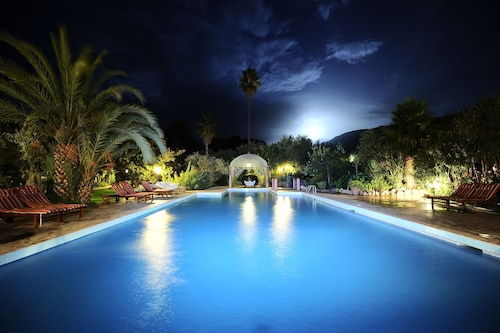 __{offers.Best_flights}__ Domaine de la Roseraie Resort & Spa