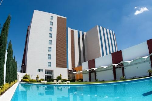 . Hotel & Suites Bel Air Business