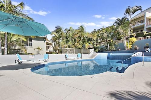 . Lennox Beach Resort