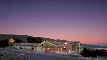 Hotel - Topaz Lodge