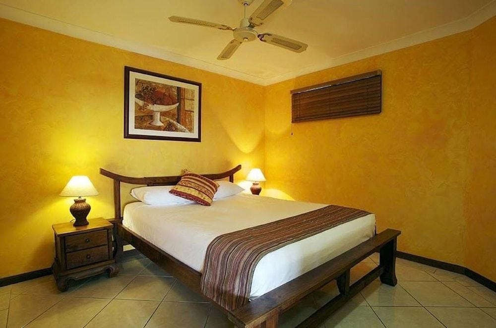 https://i.travelapi.com/hotels/3000000/2660000/2650800/2650737/3211898a_z.jpg