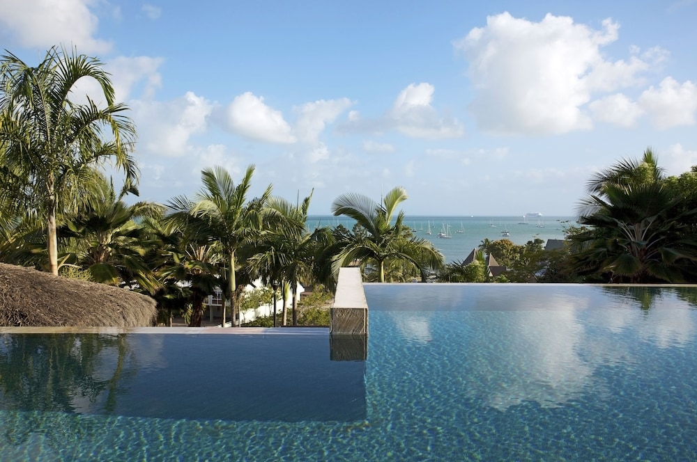 https://i.travelapi.com/hotels/3000000/2660000/2650800/2650737/6e3902a9_z.jpg