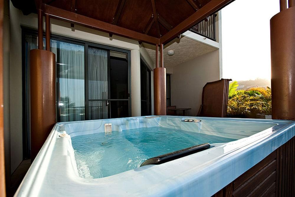 https://i.travelapi.com/hotels/3000000/2660000/2650800/2650737/ff78ae76_z.jpg