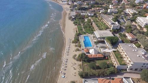 . Golden Sand Hotel