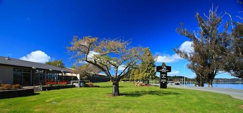 Distinction Te Anau Hotel And Villas, Southland