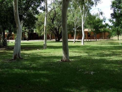 . Territory Manor Motel & Caravan Park