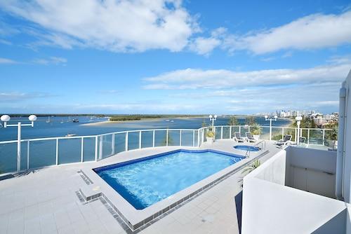 . Atrium Resort