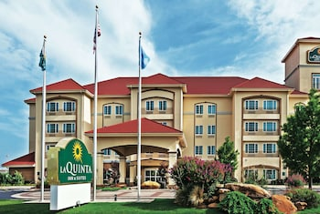 La Quinta Inn & Suites by Wyndham Ardmore Central
