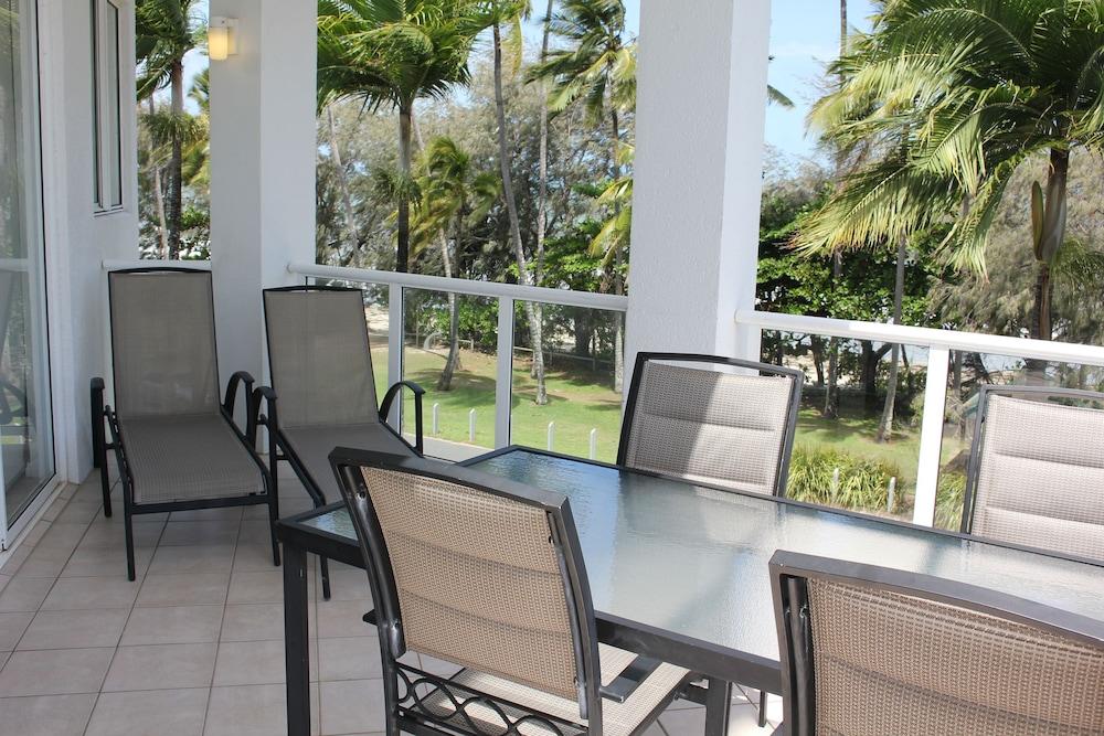 비치스 포트 더글라스(Beaches Port Douglas) Hotel Image 26 - Balcony