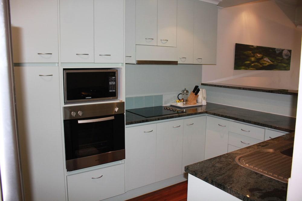비치스 포트 더글라스(Beaches Port Douglas) Hotel Image 13 - In-Room Kitchen