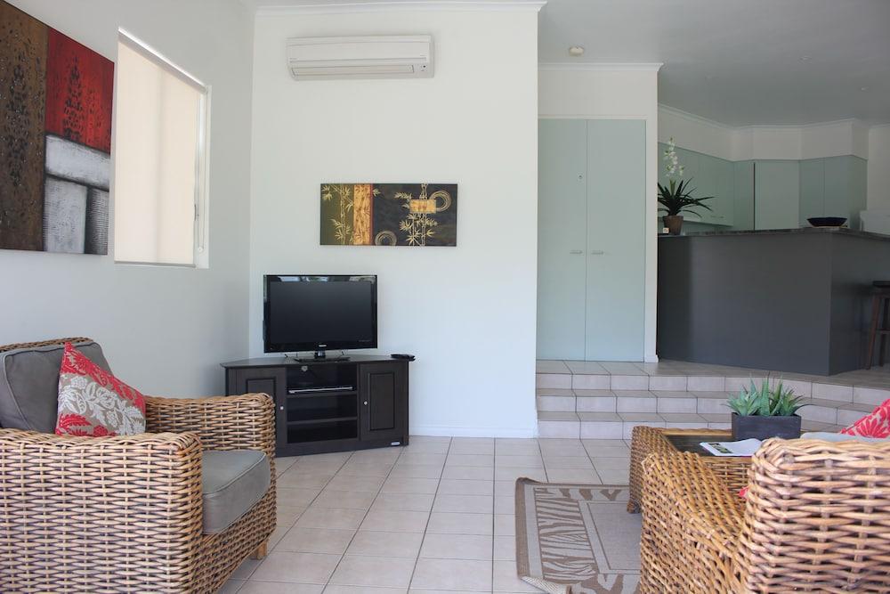 비치스 포트 더글라스(Beaches Port Douglas) Hotel Image 20 - Living Area