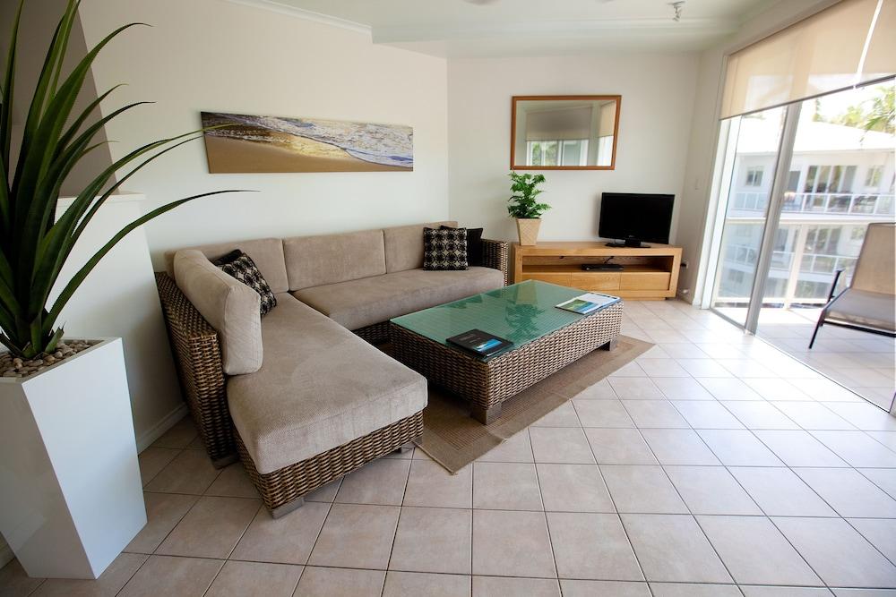 비치스 포트 더글라스(Beaches Port Douglas) Hotel Image 17 - Living Area
