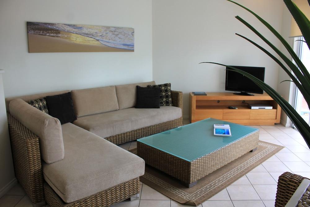 비치스 포트 더글라스(Beaches Port Douglas) Hotel Image 44 - Living Room