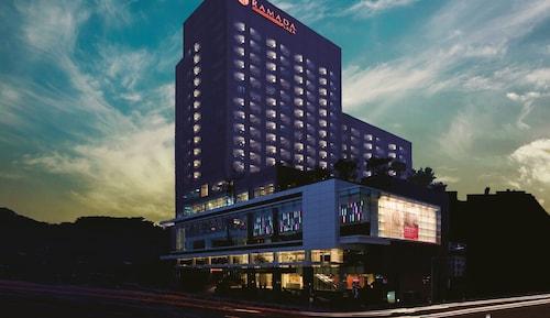 . Ramada Plaza Suwon