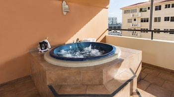 Royal Suite with Kitchenette, Jacuzzi and Terrace