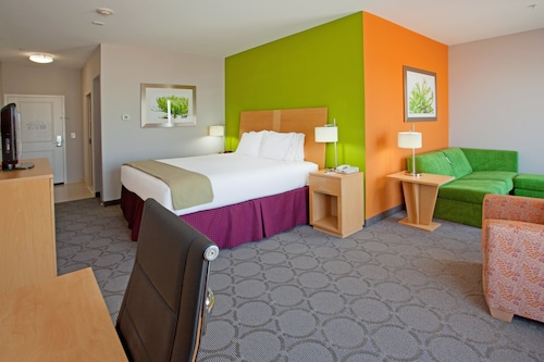 . Holiday Inn Express Hotel & Suites Clute - Lake Jackson