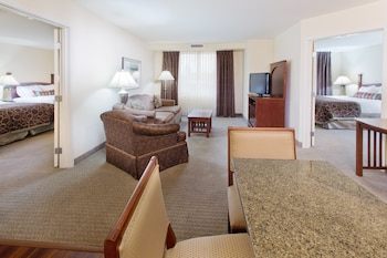 Suite, Multiple Beds, Kitchen
