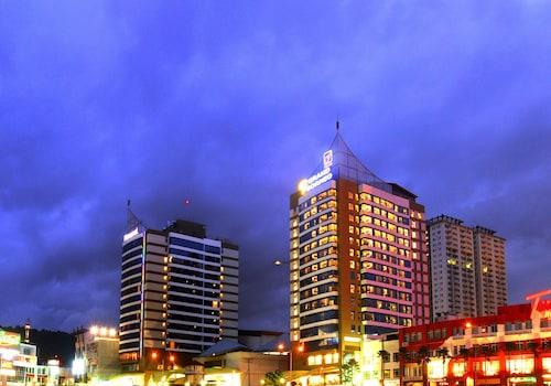 . Grand Borneo Hotel