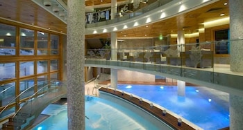 https://i.travelapi.com/hotels/3000000/2670000/2667800/2667730/889216f6_b.jpg