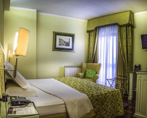 . Hotel La Bussola