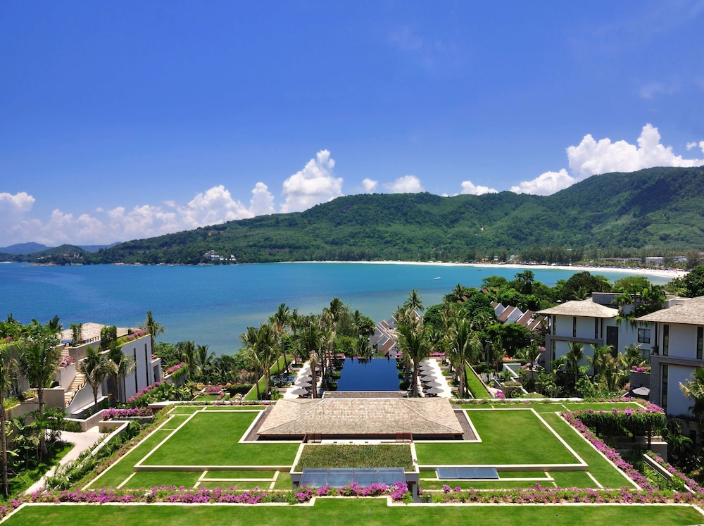 https://i.travelapi.com/hotels/3000000/2680000/2674300/2674261/0eb570e4_z.jpg
