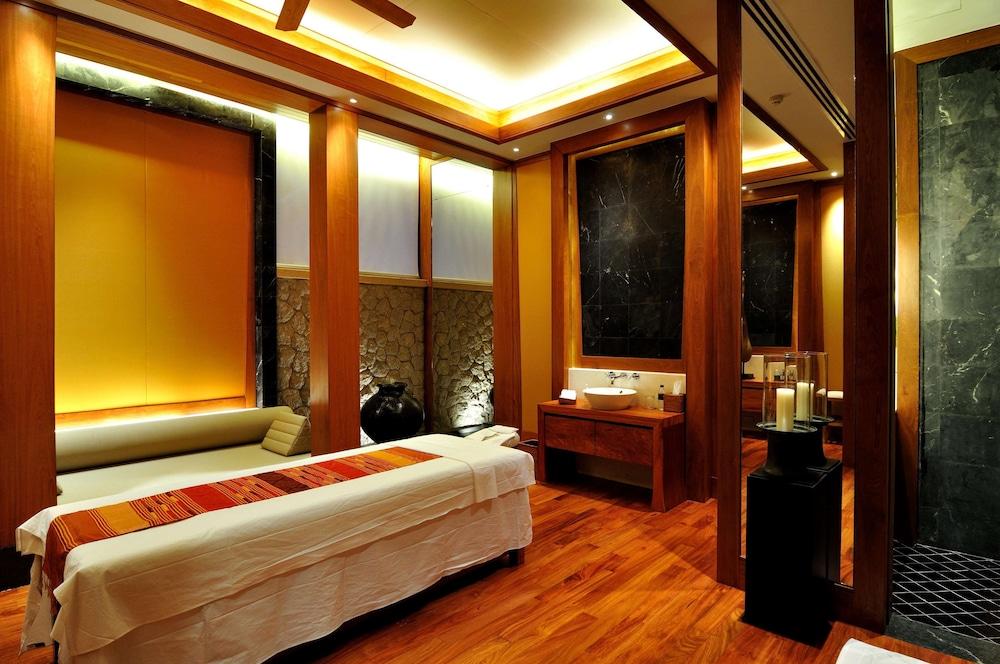 https://i.travelapi.com/hotels/3000000/2680000/2674300/2674261/12606184_z.jpg