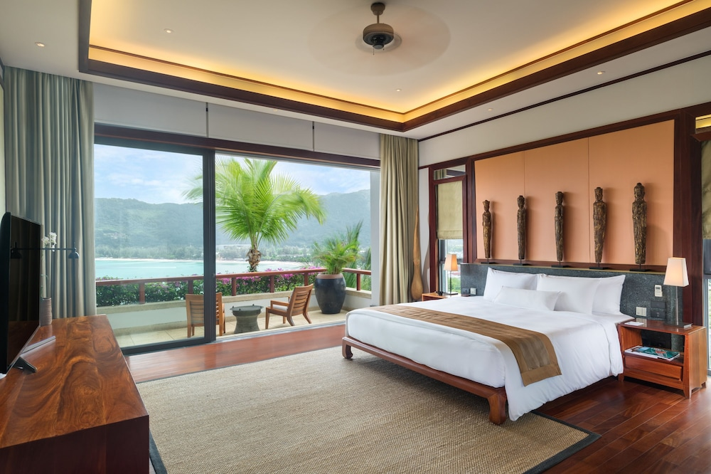 https://i.travelapi.com/hotels/3000000/2680000/2674300/2674261/22421190_z.jpg