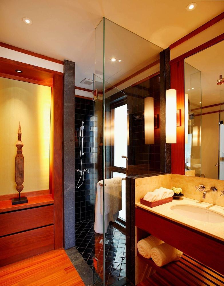 https://i.travelapi.com/hotels/3000000/2680000/2674300/2674261/26390358_z.jpg