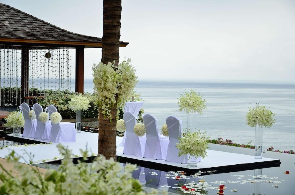 https://i.travelapi.com/hotels/3000000/2680000/2674300/2674261/4b8286ce_z.jpg