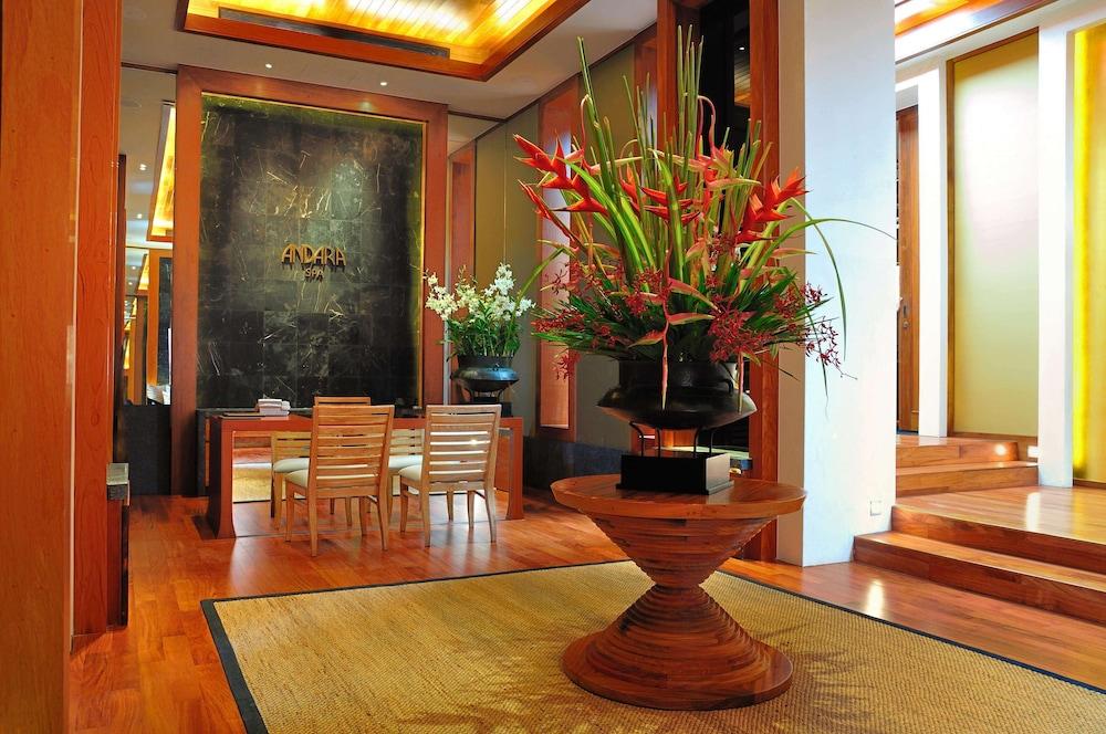 https://i.travelapi.com/hotels/3000000/2680000/2674300/2674261/567b238f_z.jpg
